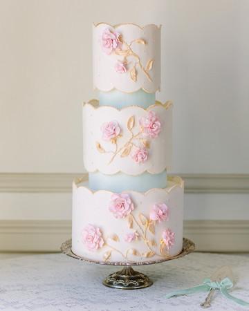 scalloped wedding decor wedding cake