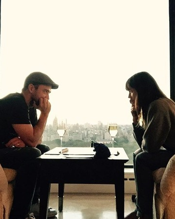 Justin Timberlake and Jessica Biel Playing Scrabble