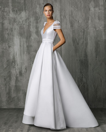 Victoria Kyriakides V-Neck Wedding Dress Fall 2018