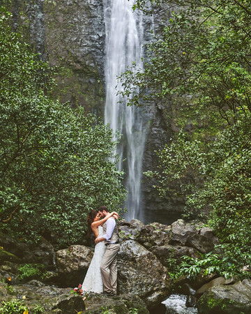 epic elopement locations kaui waterfall