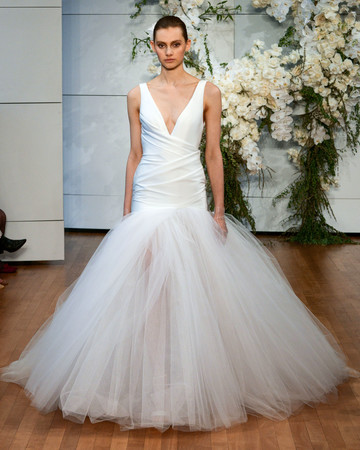 monique lhuillier v-neck tulle wedding dress spring 2018