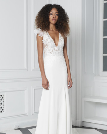 Monique Lhuillier Bliss Fall 2018 A-Line Wedding Dress wth Lace Bodice and Flutter Sleeves