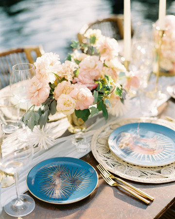 turks and caicos shoot erich mcvey tablescape blue plates florals