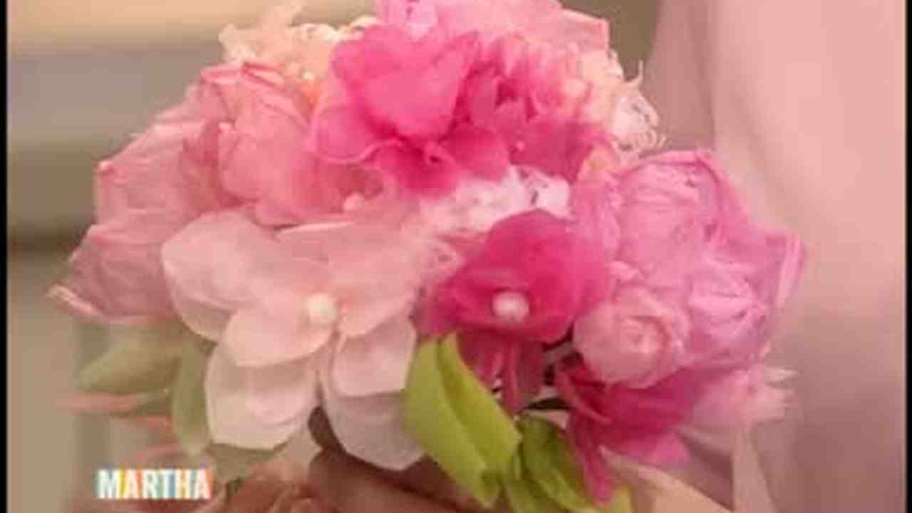 Video paper flower wedding craft martha stewart weddings mightylinksfo