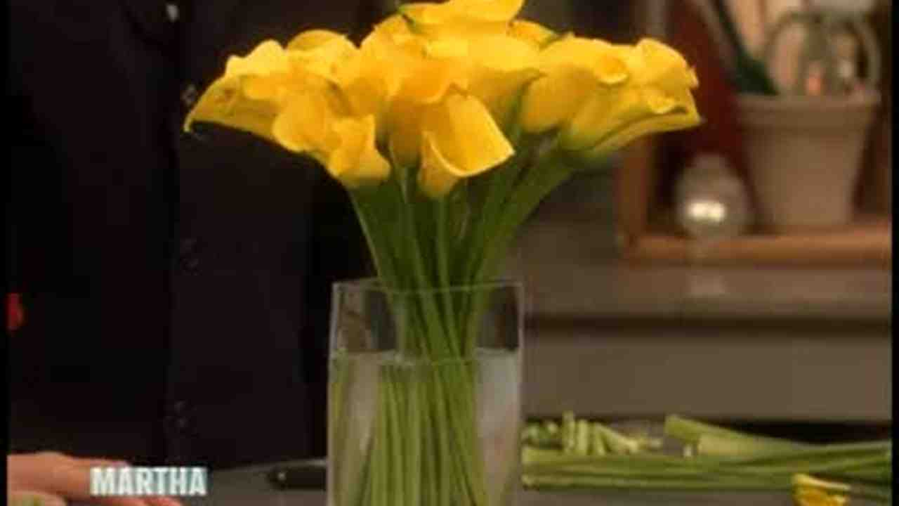 Video how to arrange calla lilies martha stewart weddings izmirmasajfo