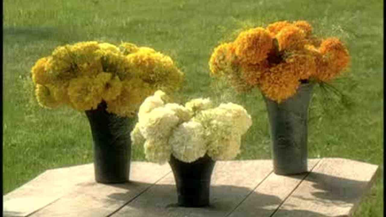 Video Outdoor Flower Arranging Using Marigolds Martha Weddings