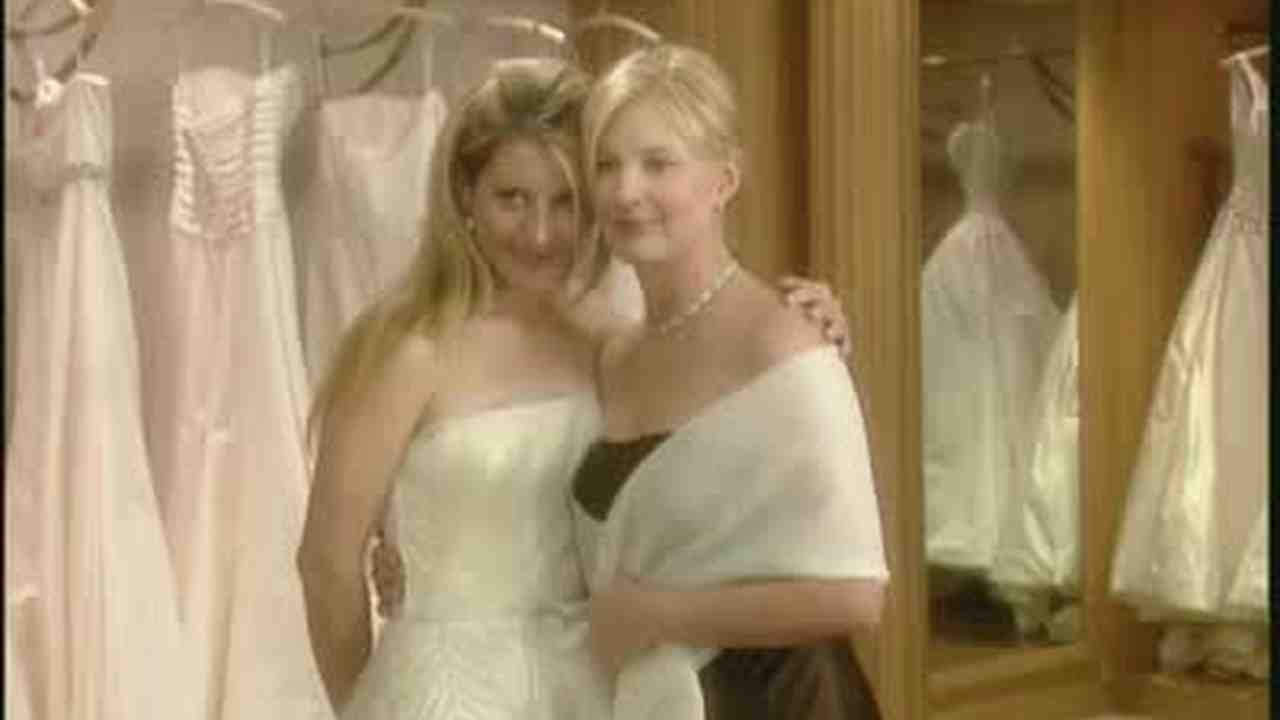 Video A Final Fitting For A Wedding Gown At Vera Wang S Martha