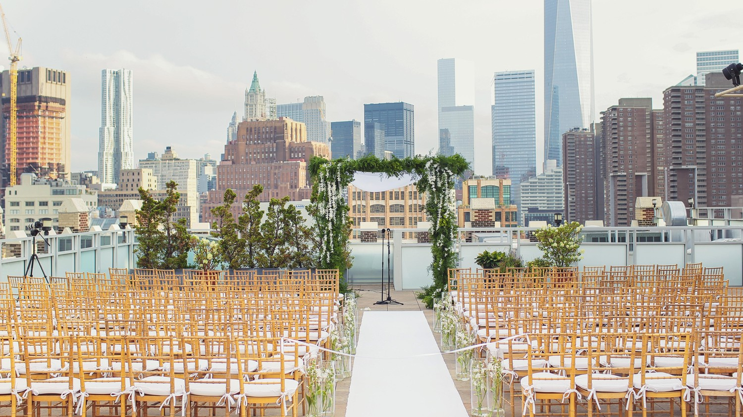 14 Majestic Backdrops For Your Wedding Photographs Martha Weddings