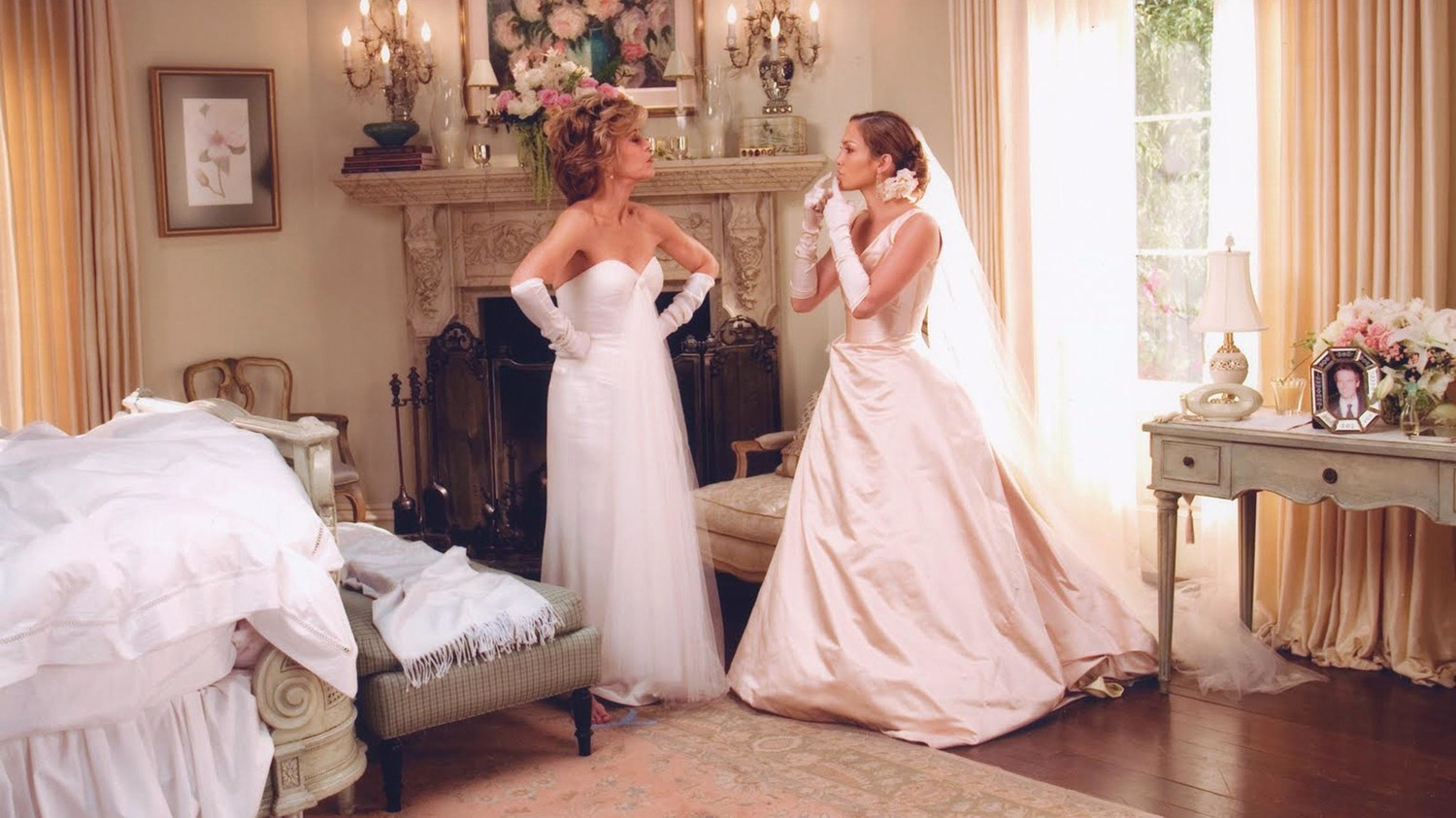 How to Deal with a Mother or Mother-in-Law Who's Trying to Outshine the Bride