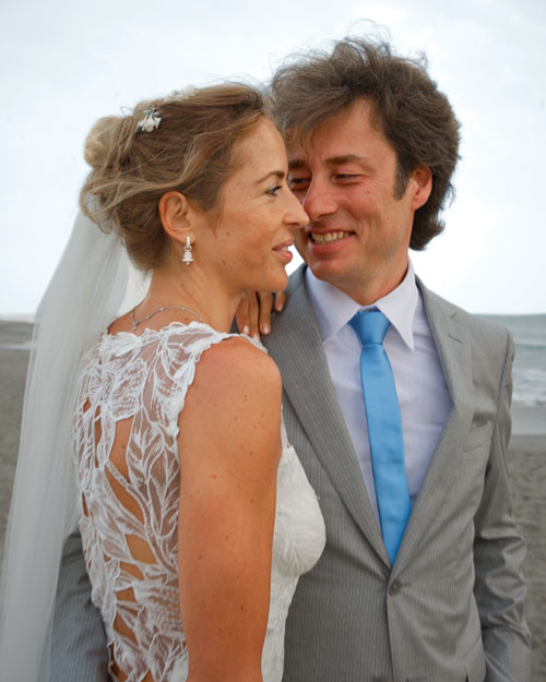 Real Weddings In Tuscany: A Casual Beach Destination Wedding In Tuscany, Italy