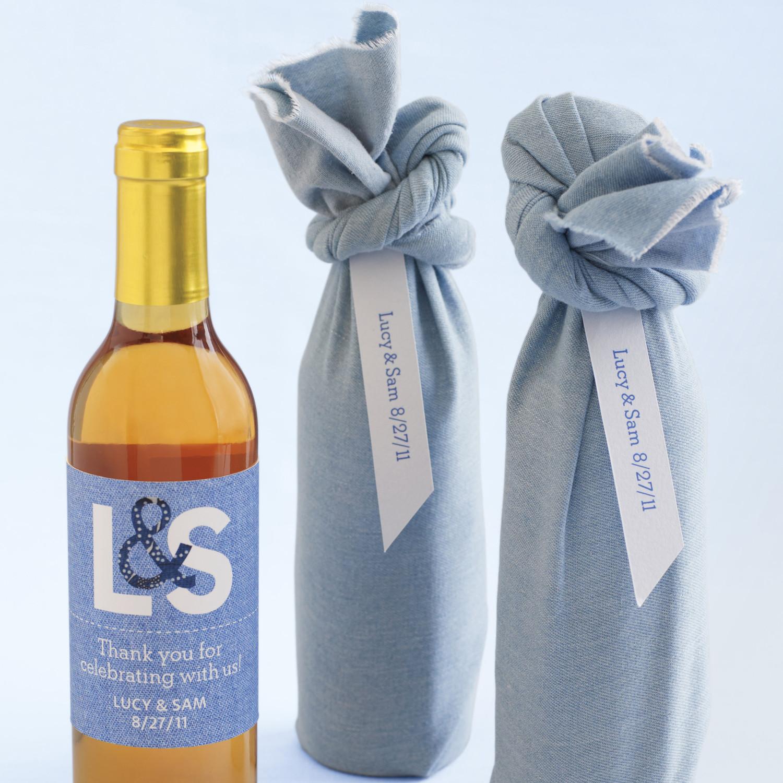 Wine Wedding: Fabric-Wrapped Wine Wedding Favor