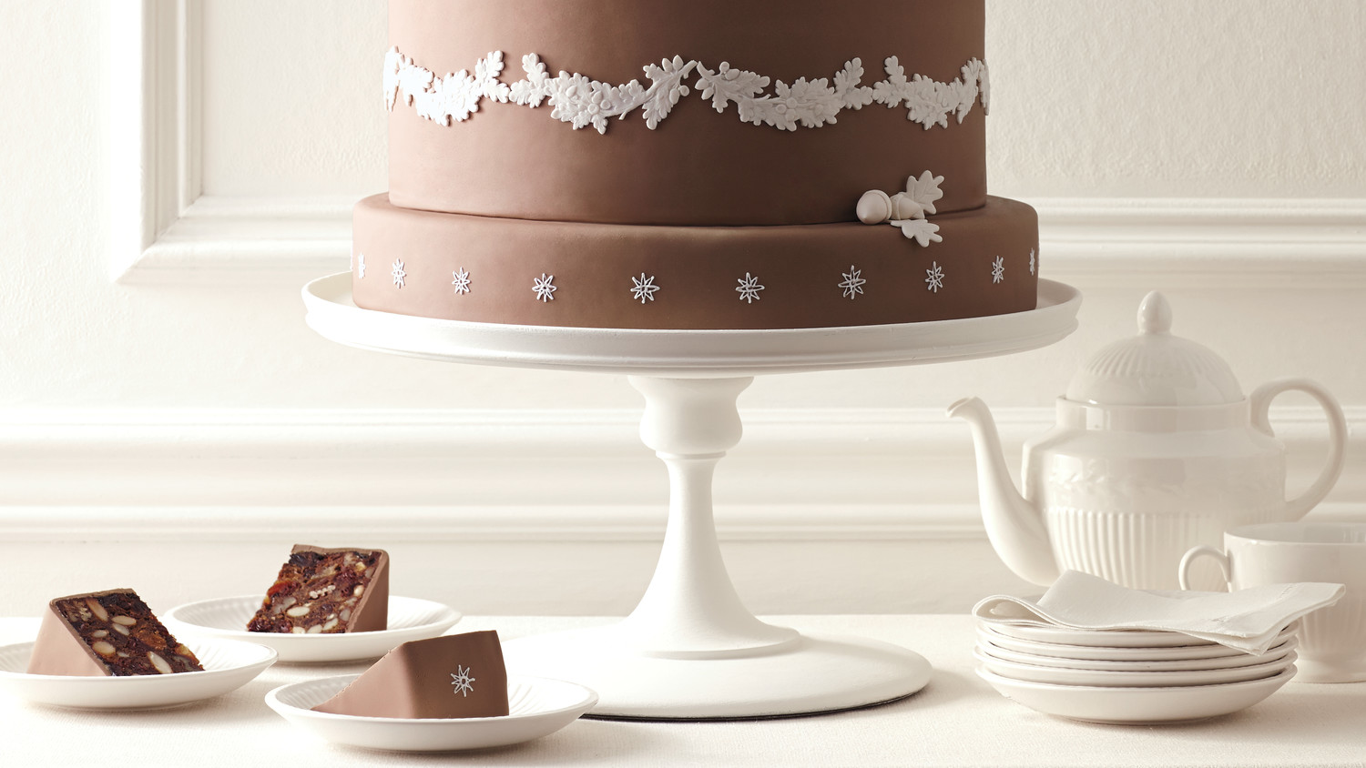 Worldly Batters: 5 Wedding Cakes from Around the Globe | Martha ...