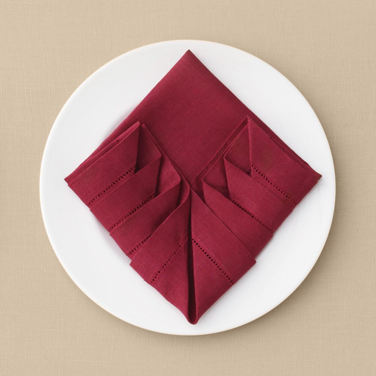 pleated napkin fold martha stewart weddings. Black Bedroom Furniture Sets. Home Design Ideas