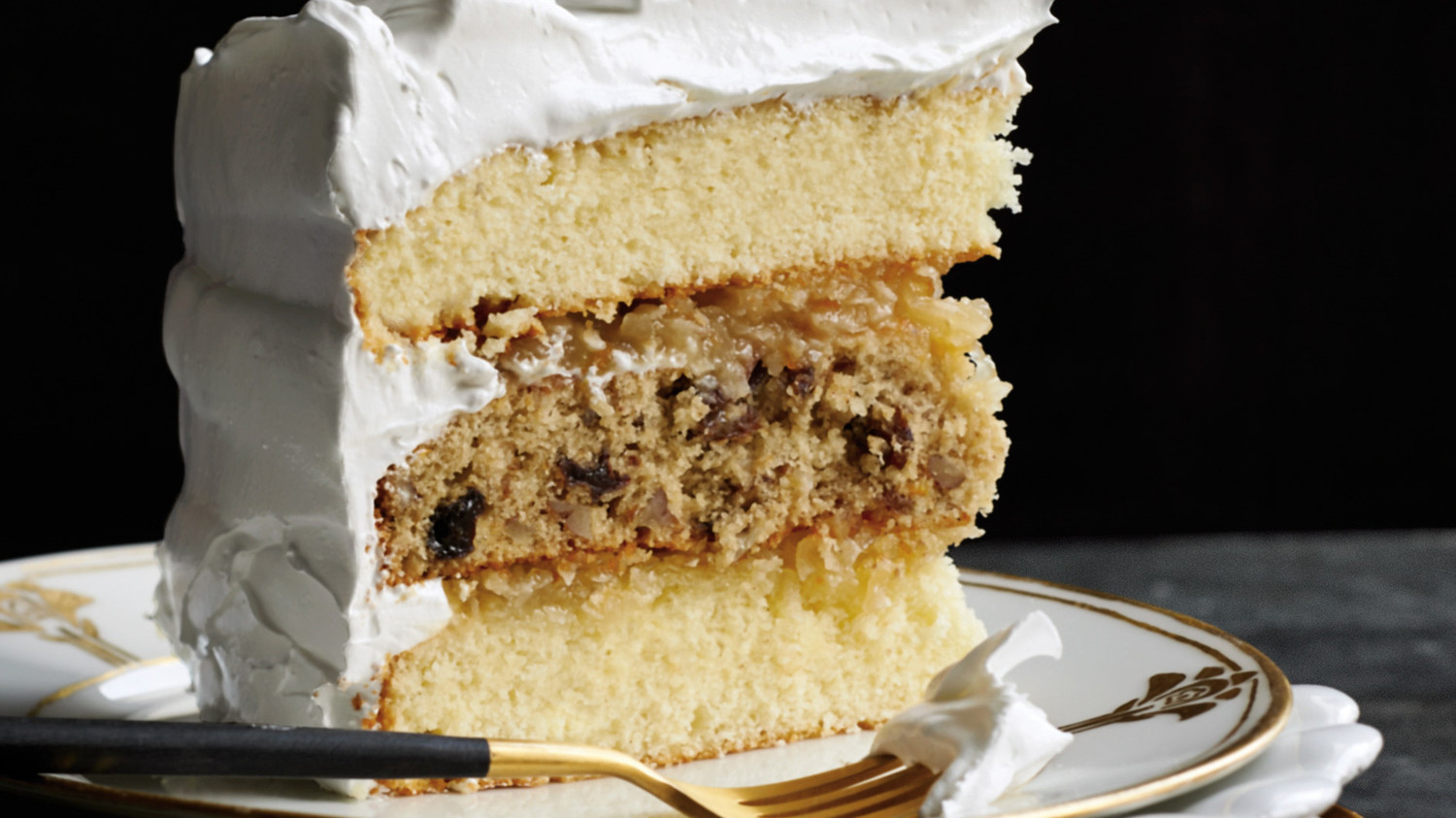 10 Things You Never Knew About Wedding Cakes | Martha Stewart Weddings