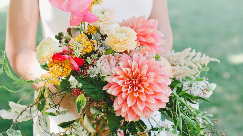 36 dreamy dahlia wedding bouquets martha stewart weddings izmirmasajfo