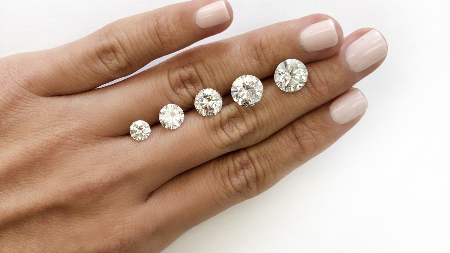 4619d623d This Is What a Diamond Looks Like at Every Size—from .5 Carats to 10 |  Martha Stewart Weddings