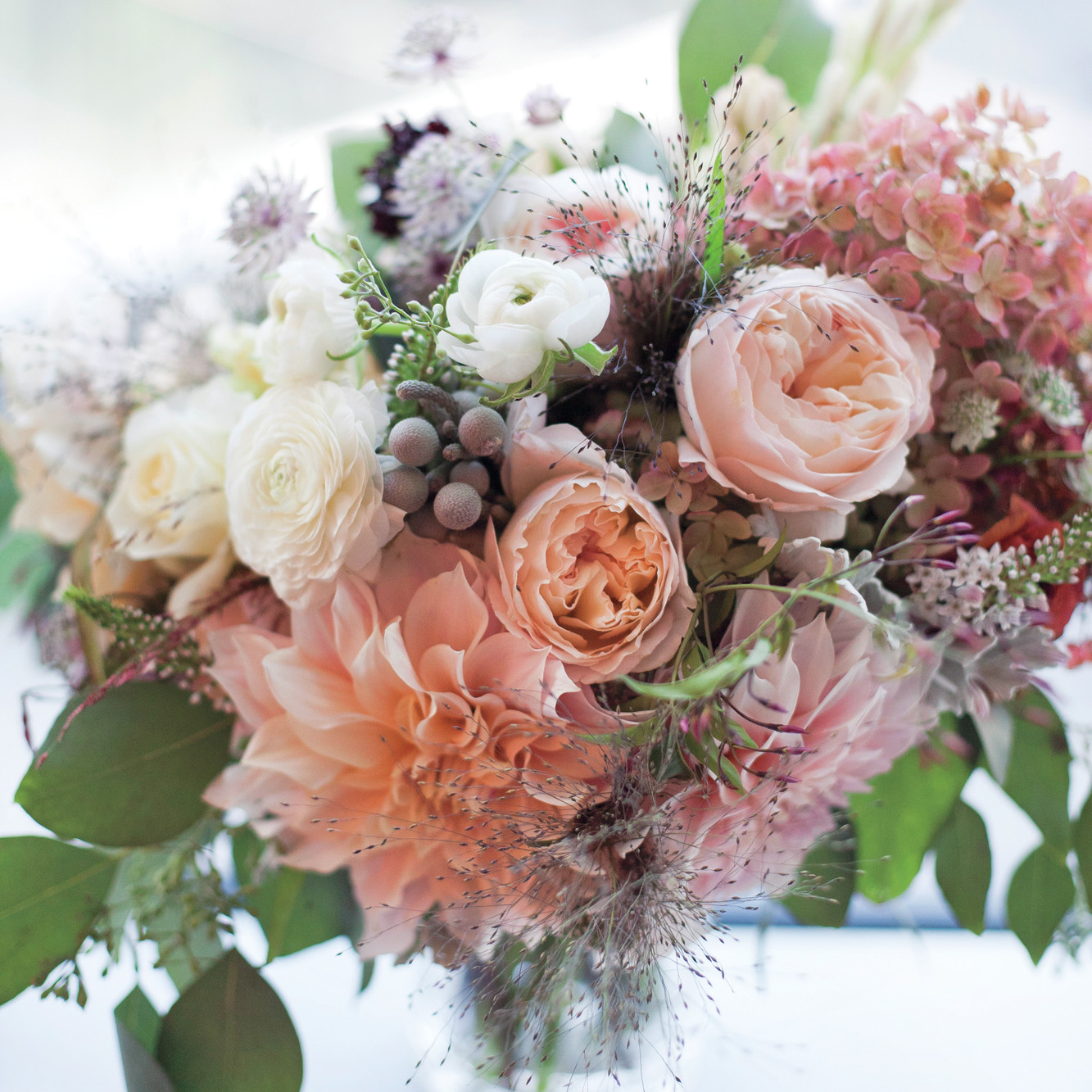 Classic wedding bouquets martha stewart weddings for Wedding flowers ideas pictures