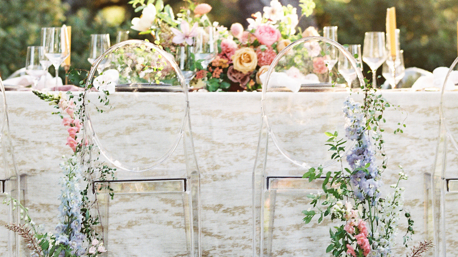 how to decorate wedding chairs 40 pretty ways to decorate your wedding chairs martha 4922