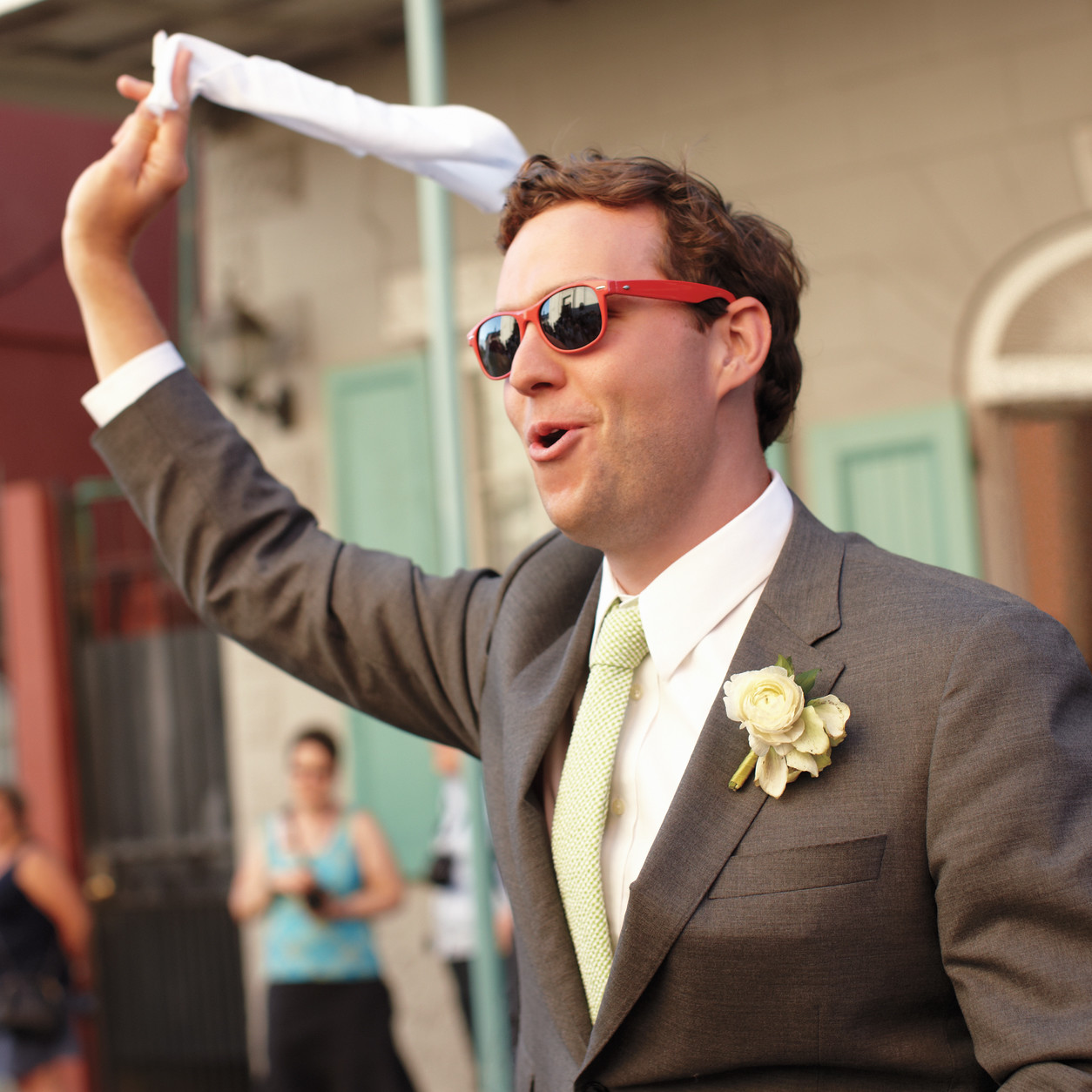 15 Wedding Guest Dos and Don'ts