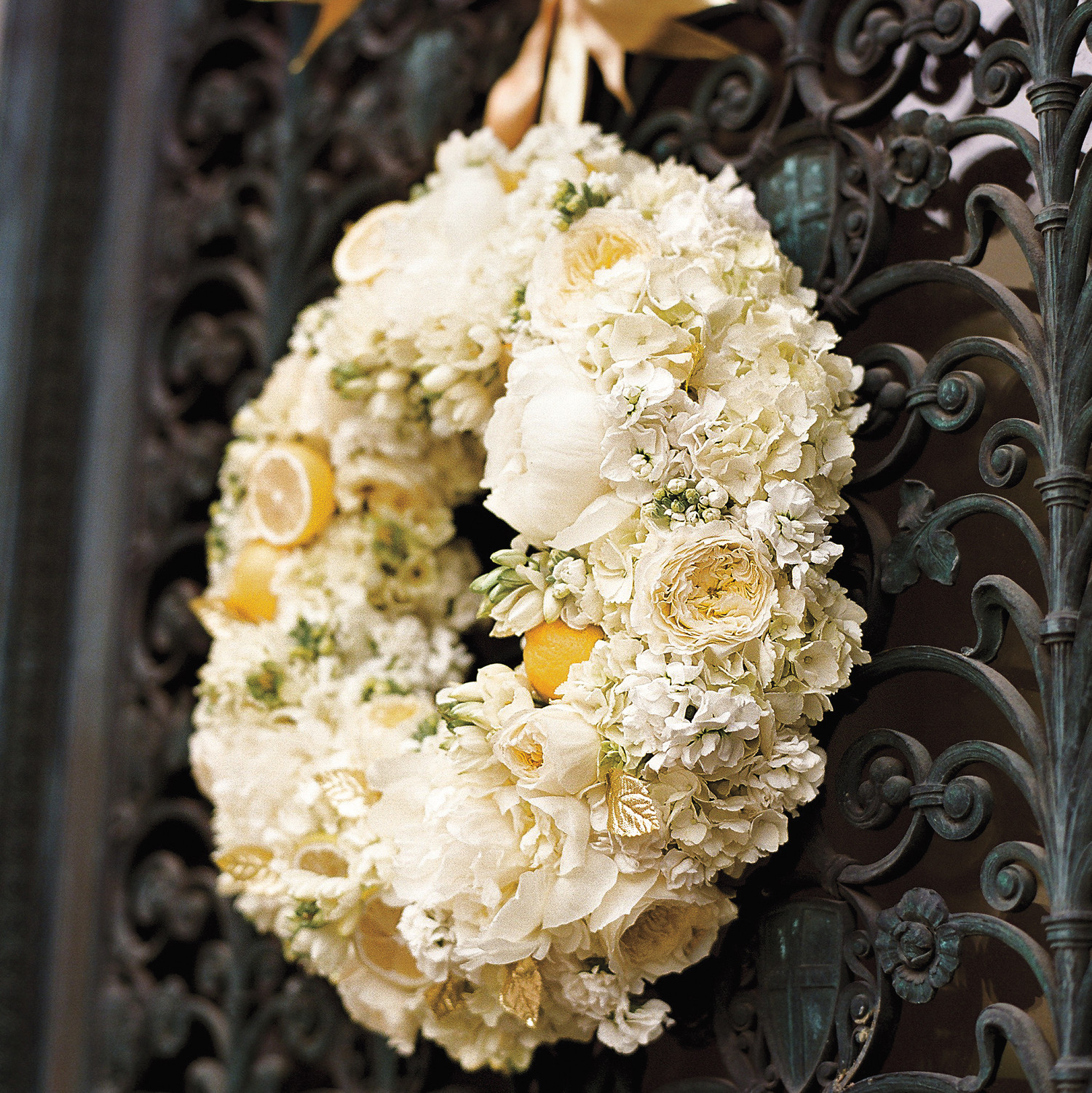 White wedding flowers martha stewart weddings izmirmasajfo