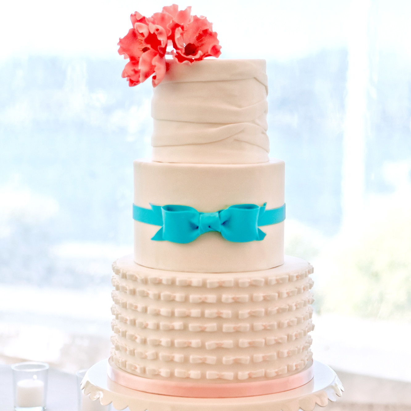 wedding cakes you can make fondant cakes from real weddings martha stewart weddings 26168