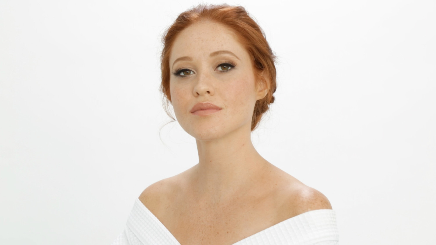 Video: The Perfect Beauty Look for the Traditional Bride | Martha ...