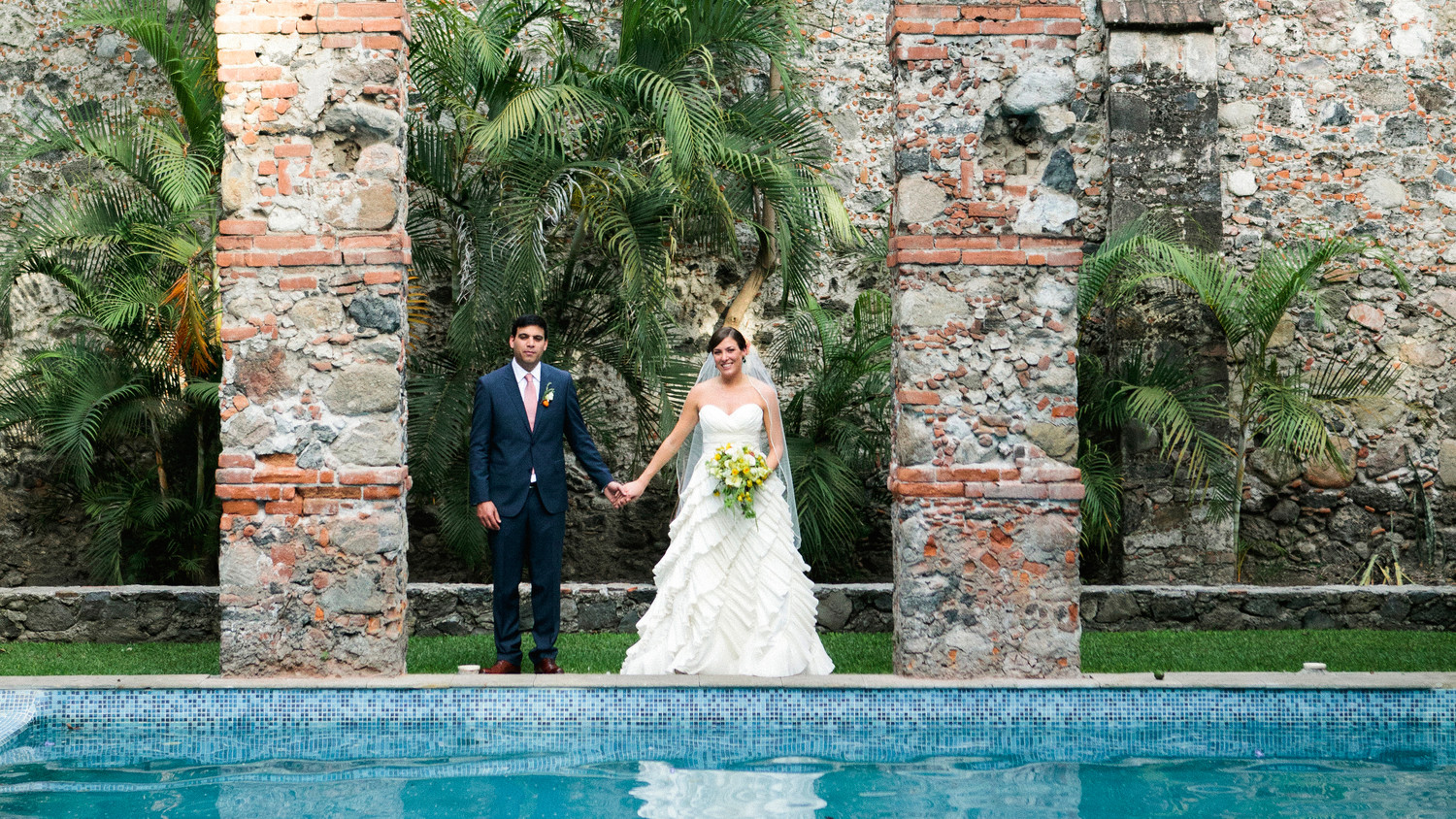 Martha Stewart Weddings: 30 Fun Ideas For A Poolside Wedding