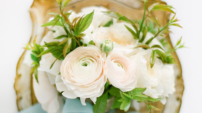 41 Stunning Ranunculus Wedding Bouquets | Martha Stewart Weddings