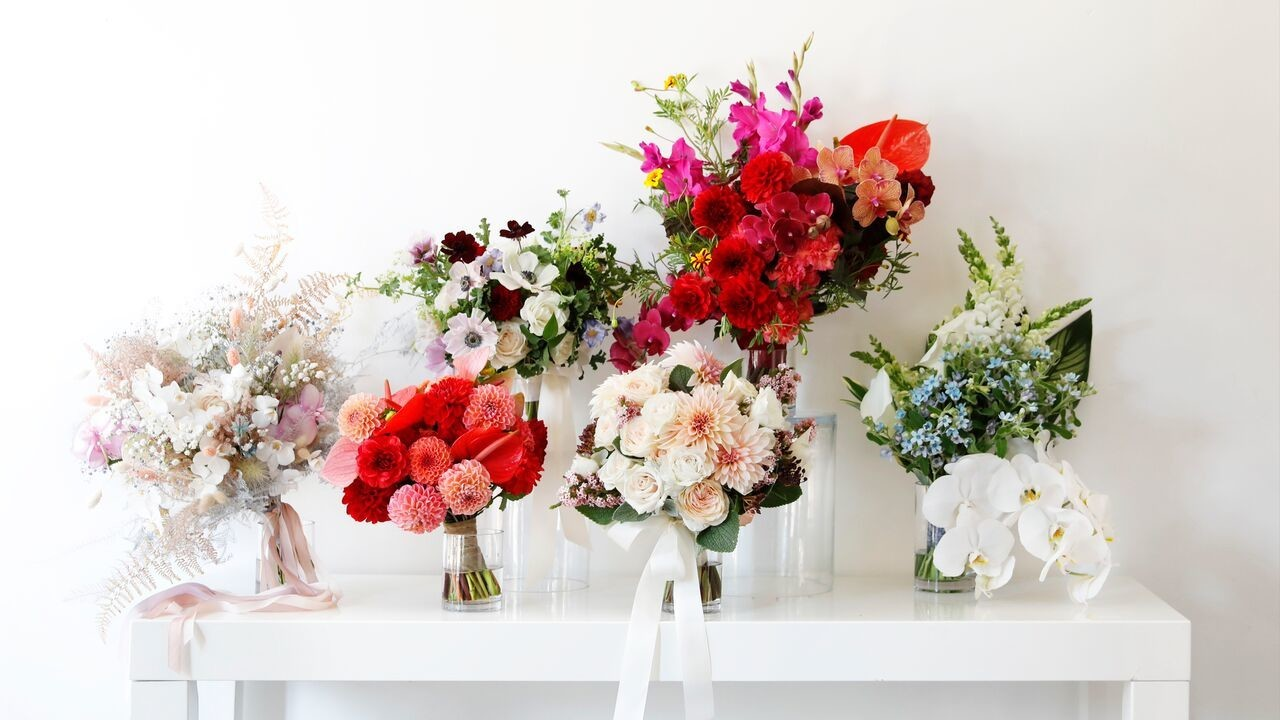 Pretty bouquets inspired by fall 2018 bridal fashion week martha fall 2018 bridal fashion week bouquets mightylinksfo