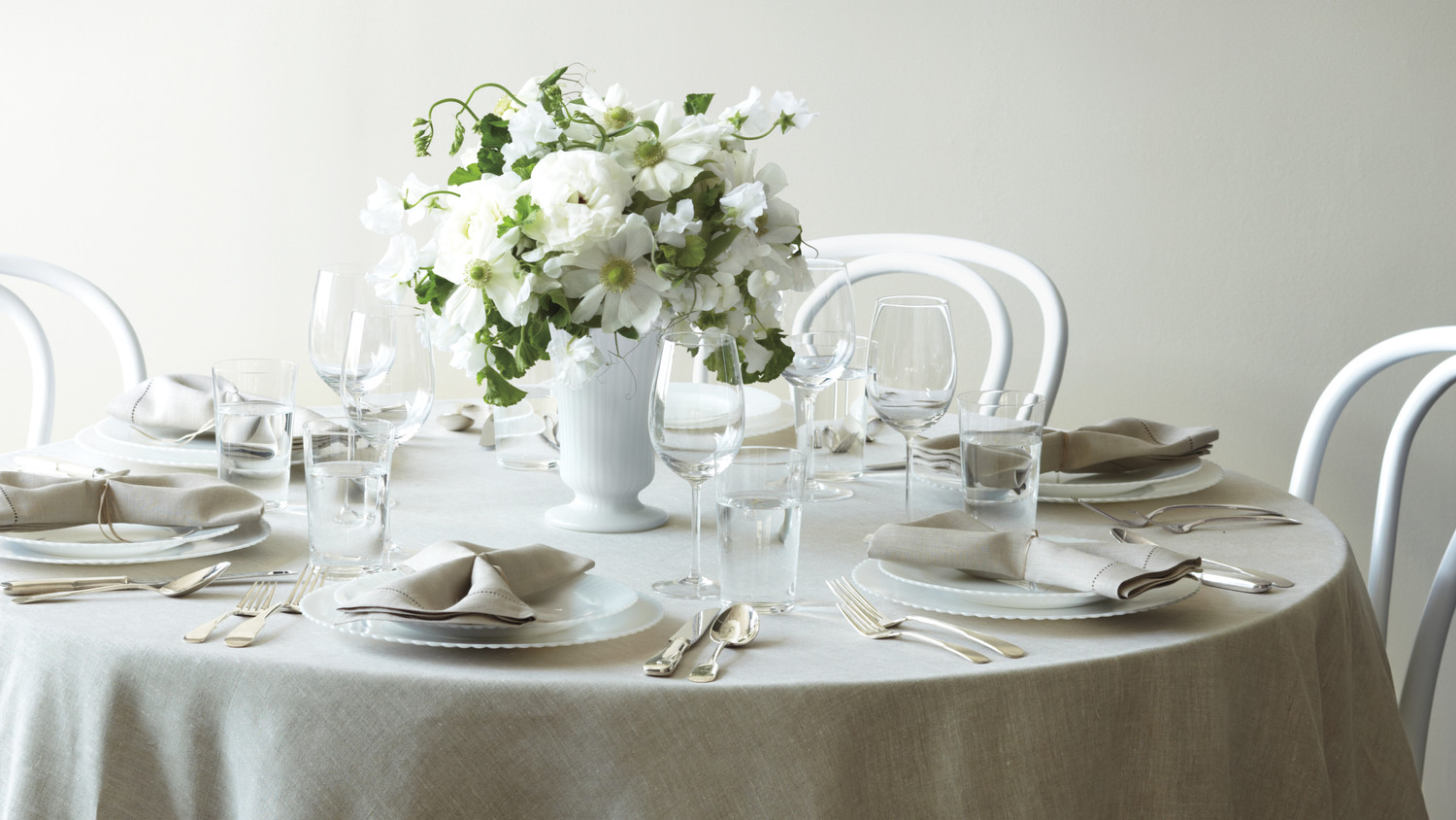 Easy-to-Make Paper Decorations For Your Wedding | Martha Stewart ...