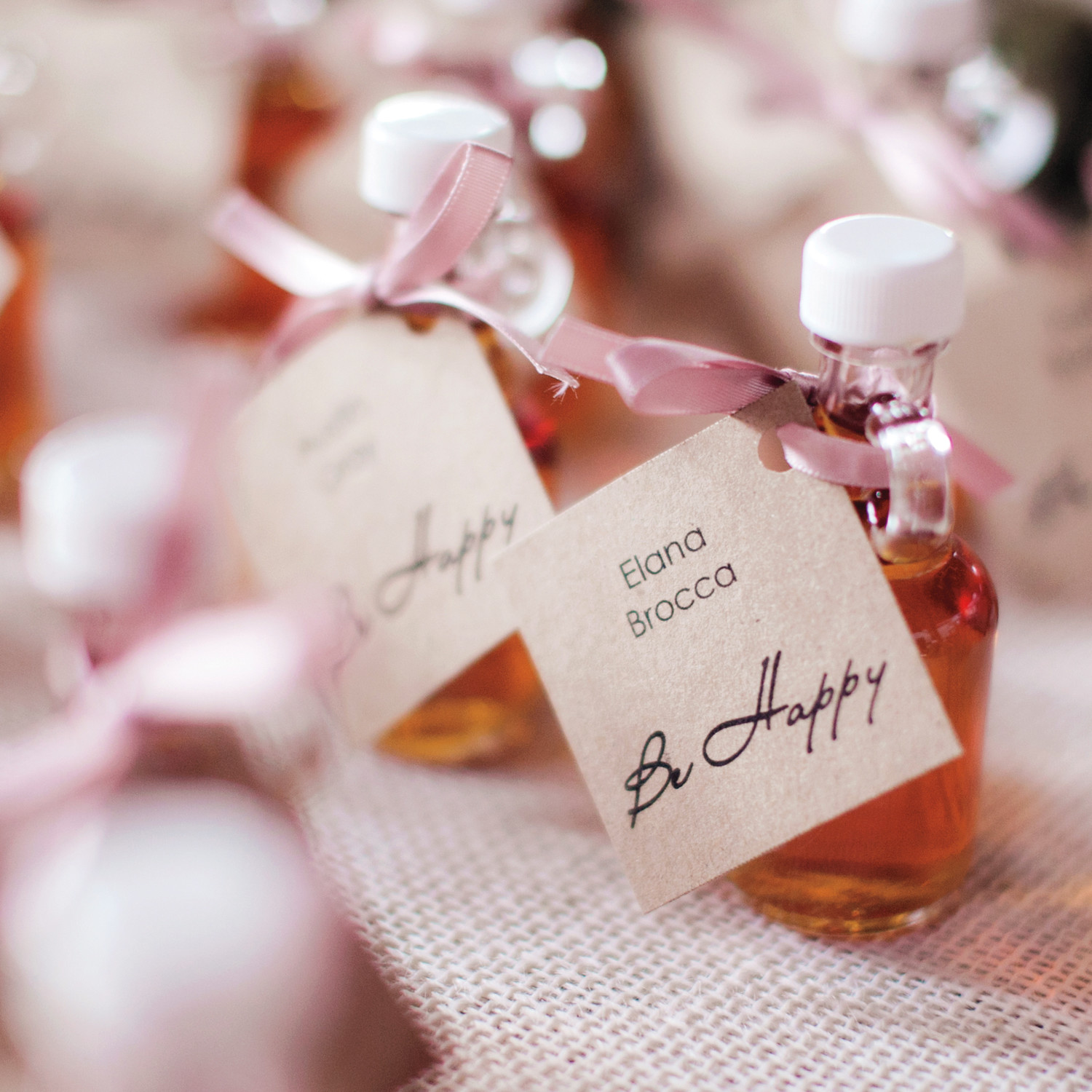 outdoor wedding favor seating cards and displays