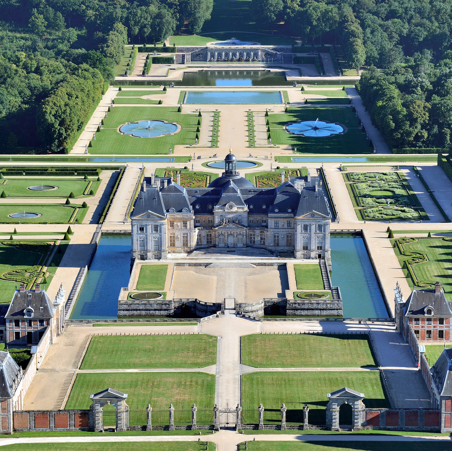 Get Married In One Of The Largest Privately Owned Châteaus