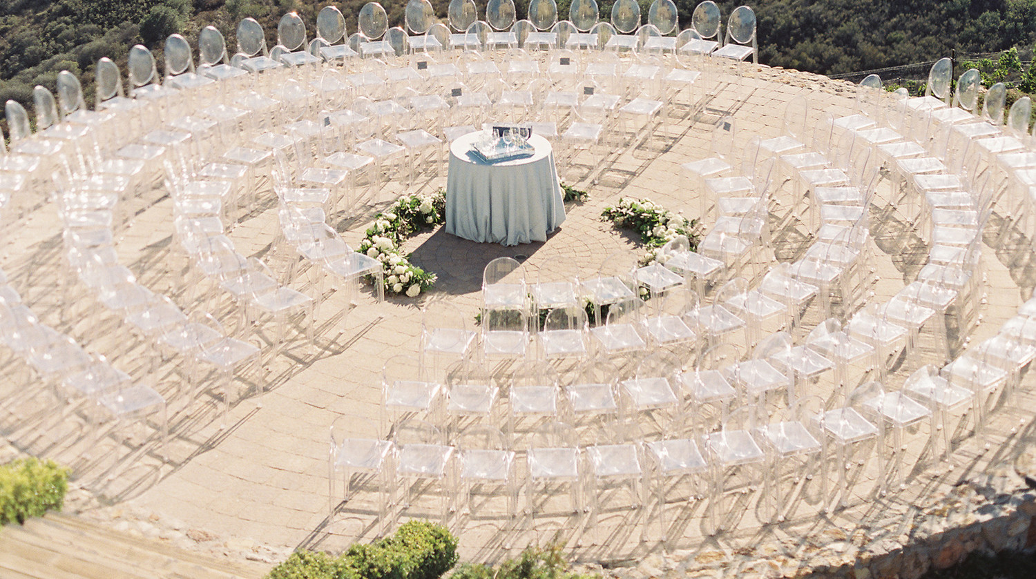 Unique Ceremony Seating Ideas For Outdoor Weddings: 28 Unique Ways To Seat Guests At Your Wedding Ceremony