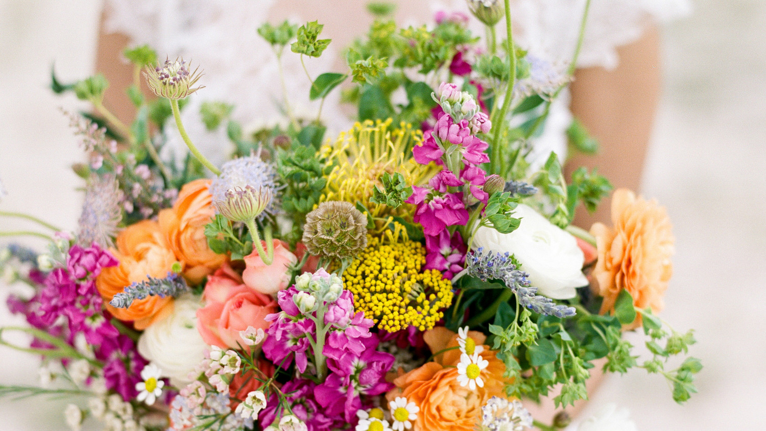 The best and worst wedding flowers for brides with allergies the best and worst wedding flowers for brides with allergies martha stewart weddings izmirmasajfo Gallery