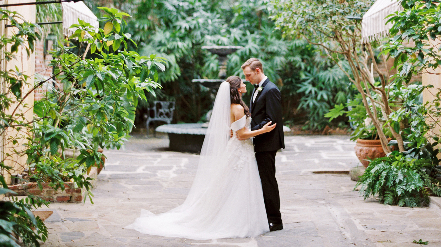 New Orleans Black Tie Wedding: One Couple's Beautiful Black-Tie Wedding In New Orleans