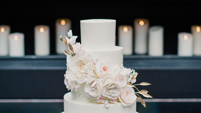 Are amateur wedding cake makers impudence! opinion