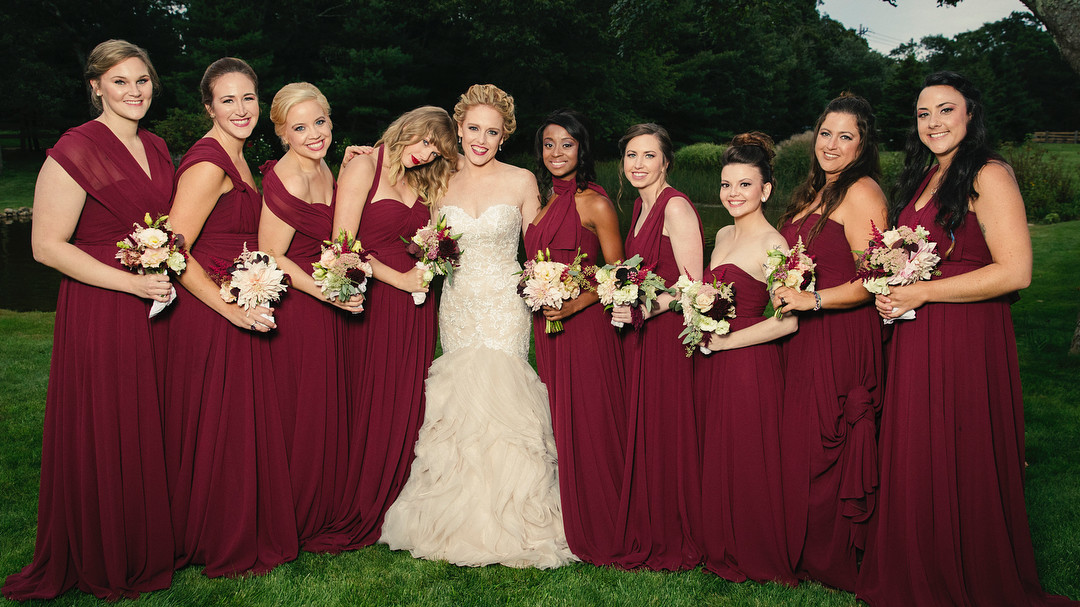 You Dont Want To Miss These New Photos Of Taylor Swift As A Bridesmaid