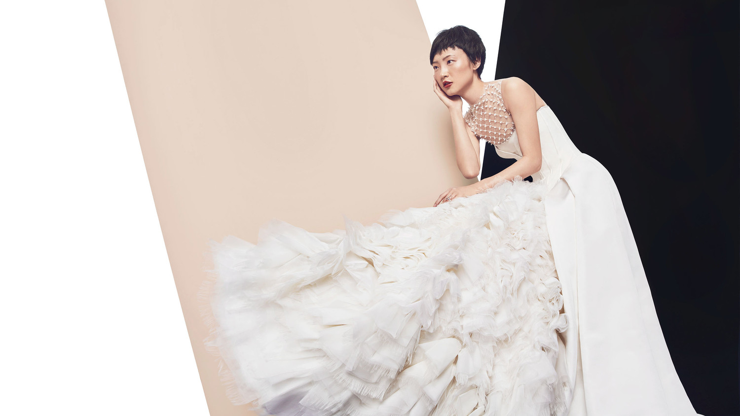 Dramatic Wedding Dresses for the Bride Who Wants to Make a Stylish ...
