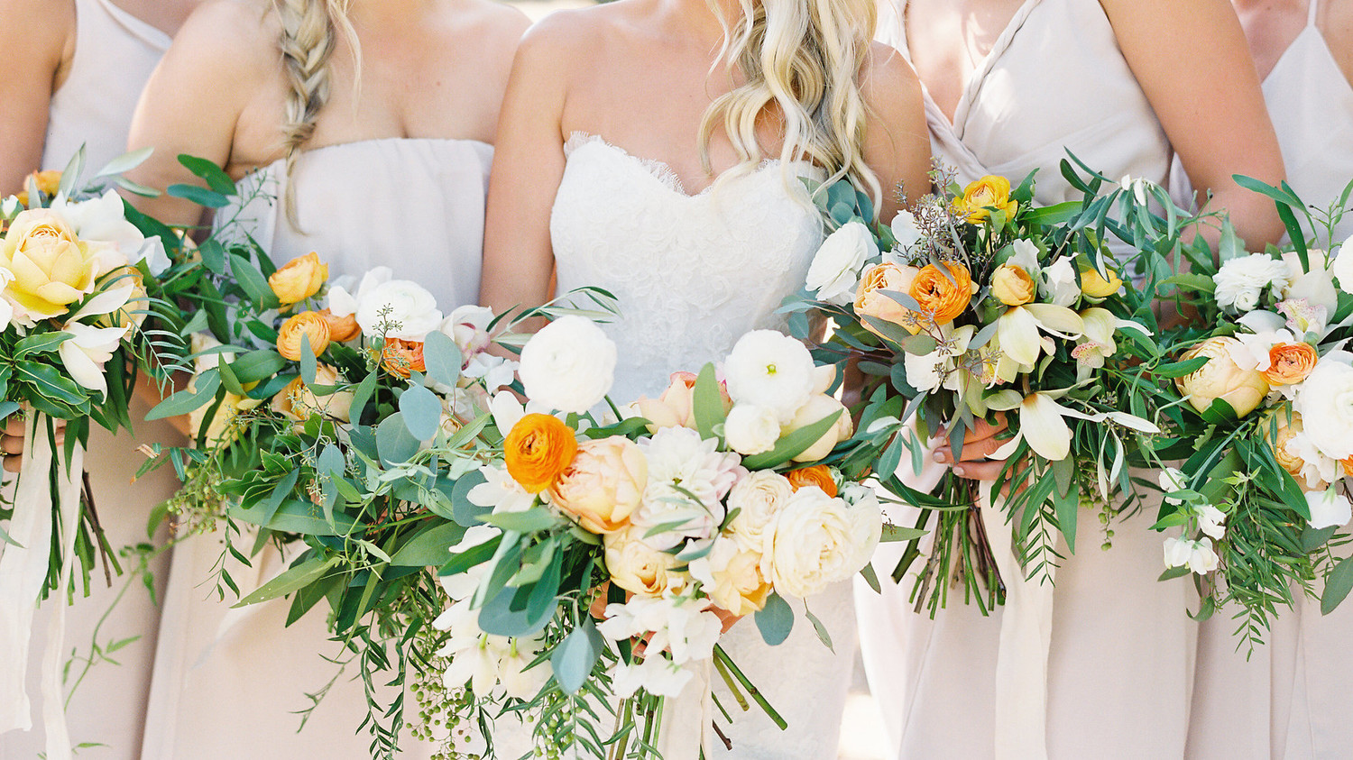 11 dos and donts for choosing your bridesmaids bouquets martha 11 dos and donts for choosing your bridesmaids bouquets martha stewart weddings izmirmasajfo