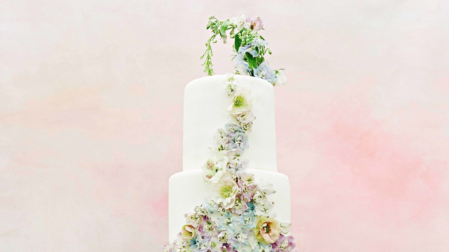 why wedding cake so expensive why is a wedding cake so expensive martha stewart weddings 27475
