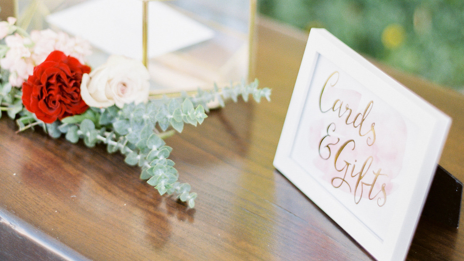 Martha Stewart Wedding Gift Ideas: 21 Ways To Set Up A Card Or Gift Table At Your Wedding