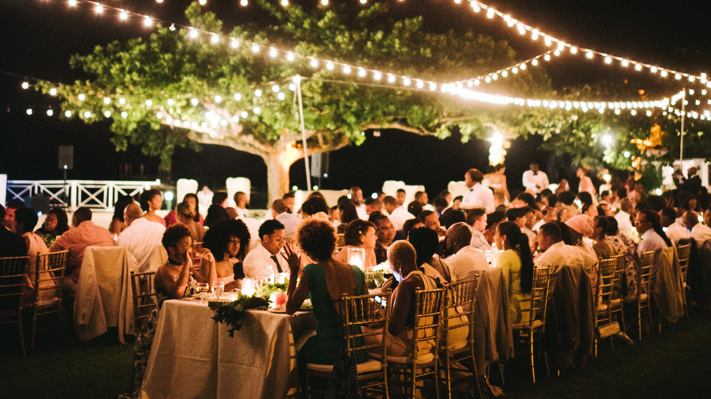 Wedding table lighting Uplighting How To Illuminate Your Outdoor Wedding Aliexpress How To Illuminate Your Outdoor Wedding Martha Stewart Weddings
