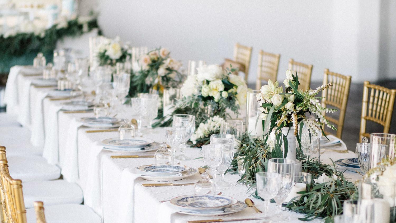 7 Advantages of Hiring a Wedding Planner | Martha Stewart Weddings