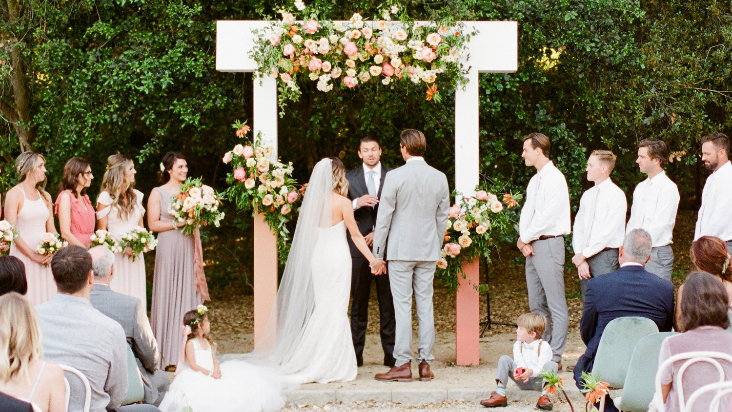 Does Your Bridal Party Need To Stand During The Ceremony