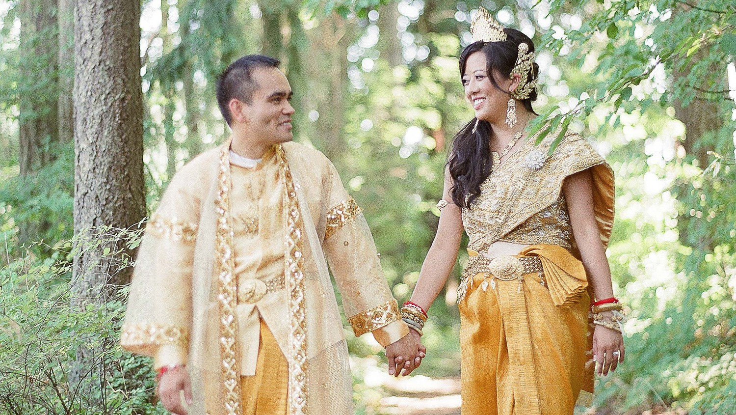 A Colorful Traditional Cambodian And Chinese Wedding In Oregon Martha Weddings