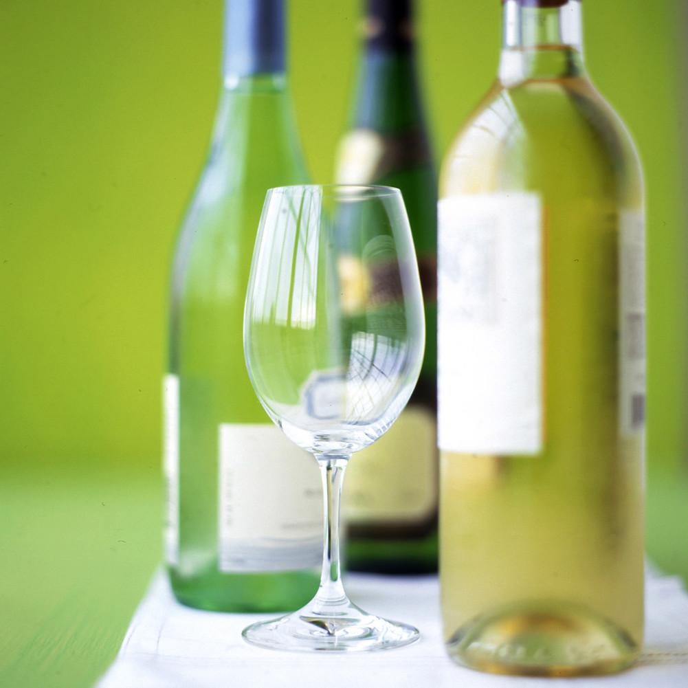 choosing wine for your wedding martha stewart weddings