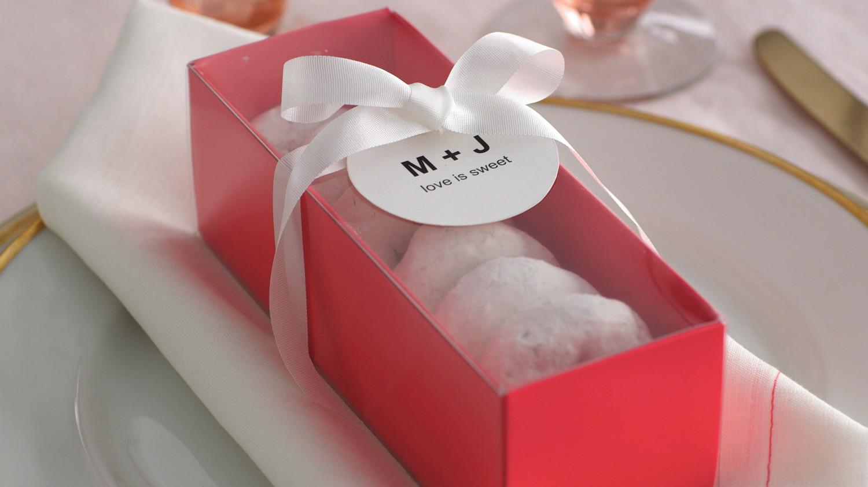 Video Easy Diy Favor Idea Donut Boxes Martha Stewart Weddings