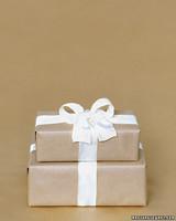mws1274_fa06_gift.jpg