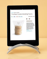 ipad-holder-mwd108267.jpg