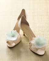 mwd104646_spr09_shoes.jpg